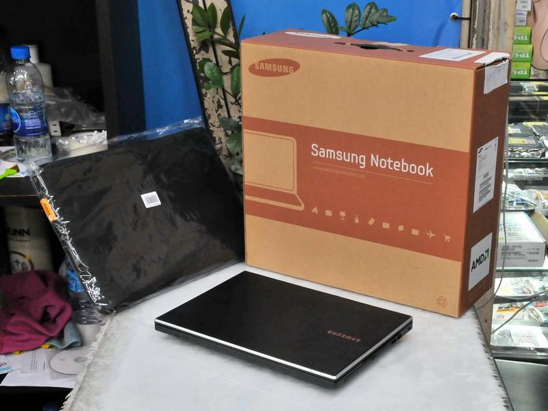 SAMSUNG 305V4Z-T01 AMD A8-3510MX 1.80GHz