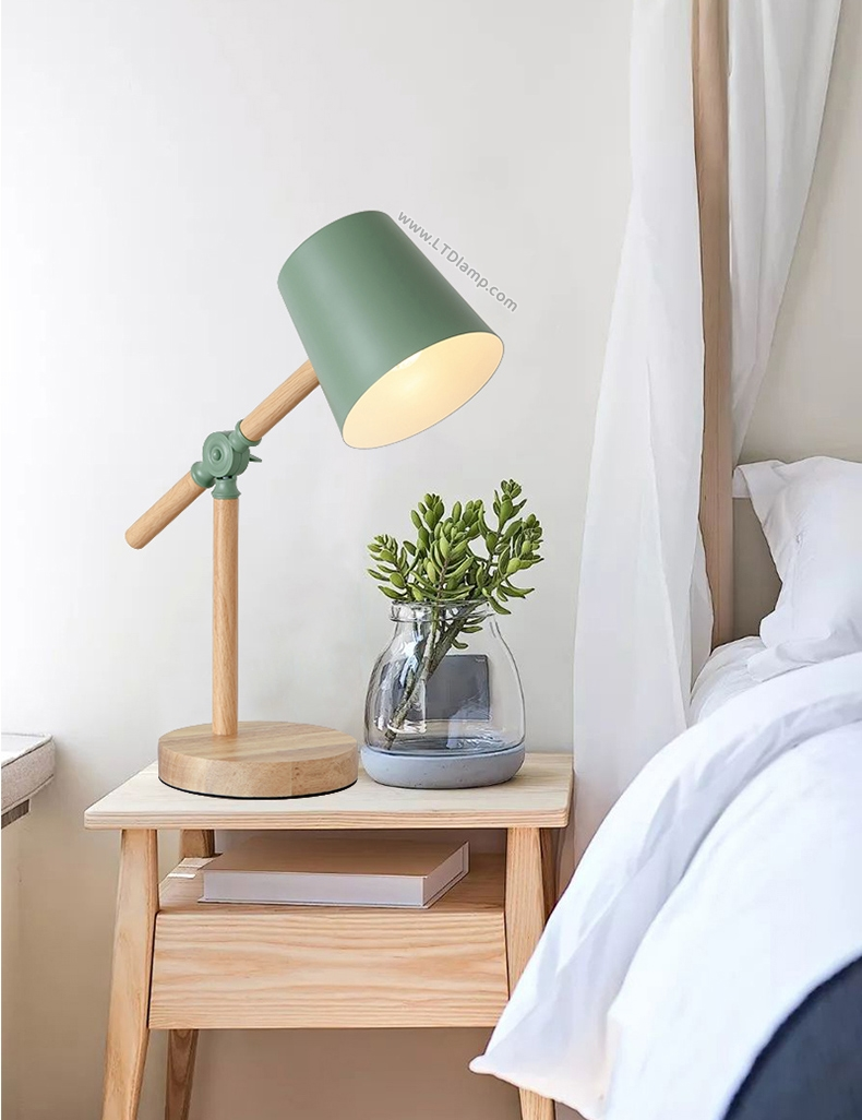 โคมไฟสีเขียว วัสดุไม้