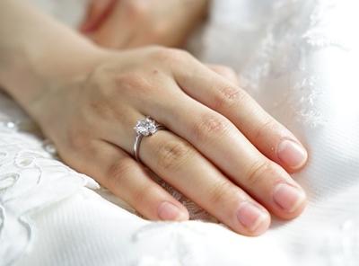 แหวนเพชรผู้หญิงวัยรุ่น