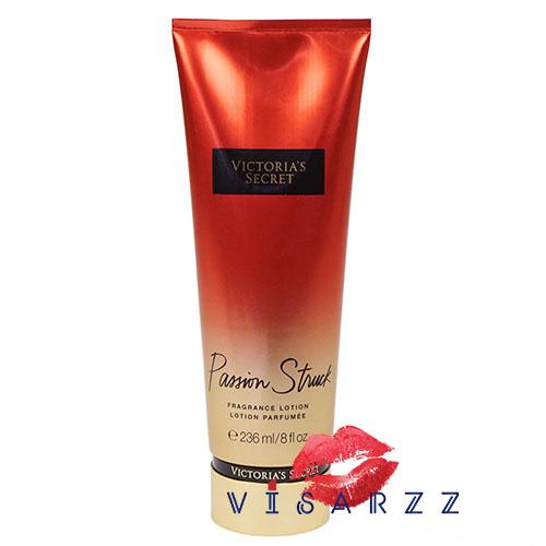 Victoria's Secret Fragrance Lotion 236mL # Passion Struck โลชั่นน้ำหอมบำรุงผิวสุดล้ำลึก บำรุงผิวให้นุ่ม ชุ้นชื้นตลอดวัน เนื้อครีมเข้มข้นพิเศษ บำรุงผิวแห้งกร้านได้อย่างมีประสิทธิภาพ