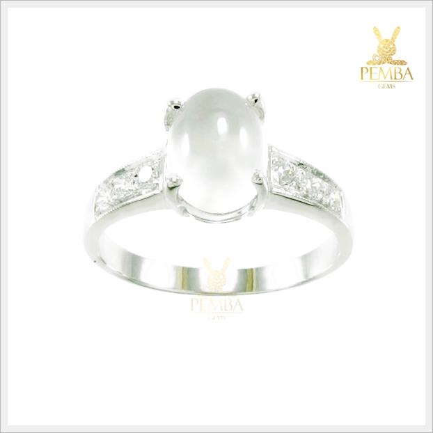 แหวนมูนสโตนแท้ เพิ่มเสน่ห์น่าหลงใหล ผู้คนที่รักใคร่