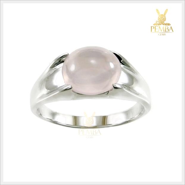 แหวนโรสควอตซ์ เรียบๆ แต่มีสไตล์ สวมใส่เต็มๆ นิ้ว