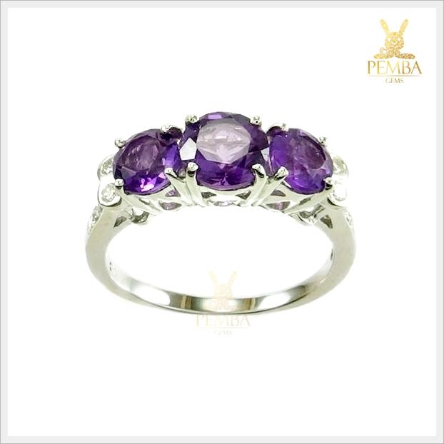 แหวนอเมทิสต์แท้ สวยเก๋เรียง 3 เม็ด เสริมความคิดสร้างสรรค์