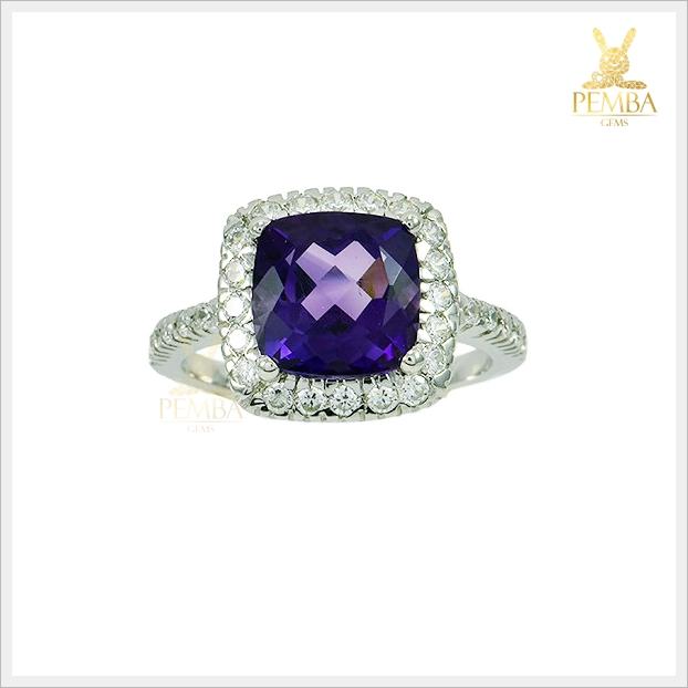 แหวนอเมทิสต์แท้ ล้อมเพชรCZ อย่างสวยงาม โดดเด่นสะดุดตา