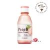 Skinfood Premium Peach Cotton Toner 175mL โทนเนอร์ที่ช่วยปรับสมดุลน้ำและน้ำมันบนผิว ด้วยส่วนผสมของผงแป้งช่วยให้ผิวสัมผัสเนียนเรียบ อุดมไปด้วยสารสกัดจากลูกพีช 15% ผงแป้งสีชมพูไม่ทำให้เกิดการอุดตันพร้อมให้ความชุ่มชื้นกับผิว