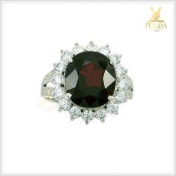 แหวนโกเมนแท้ ล้อมเพชรCZ สวยงามโดดเด่นสะดุดตา